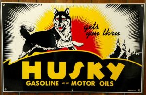 """1930's-1940's """"STYLE"""" HUSKY GASOLINE–MOTOR OIL PORCELAIN SIGN 1"""