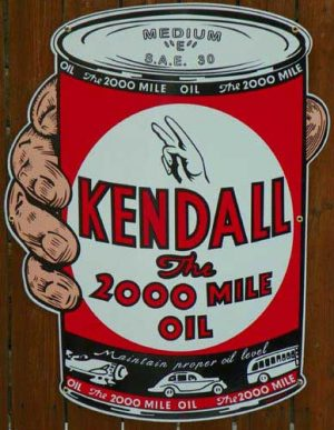 """1940's """"Style"""" KENDALL 1 QUART MOTOR OIL CAN """"IN HAND"""" PORCELAIN SIGN 1"""