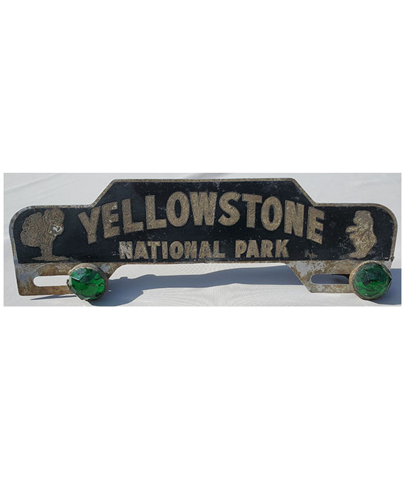 1940s-1950s-YELLOWSTONE-NATIONAL-PARK-LICENSE-PLATE-TOPPER